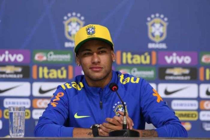 Atacante Neymar em entrevista coletiva  (Crédito: Lance)