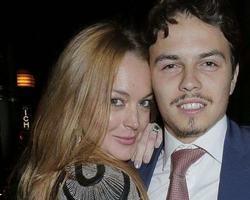 Lindsay Lohan acusa noivo de traição e polícia é chamada após briga