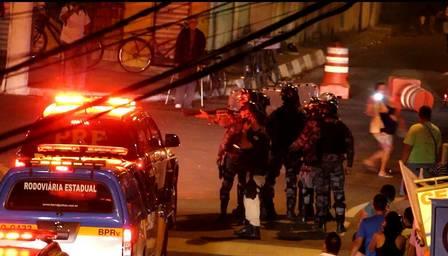 Tumulto em Angra dos Reis interrompeu passagem da tocha olímpica (Crédito: Reprodução)