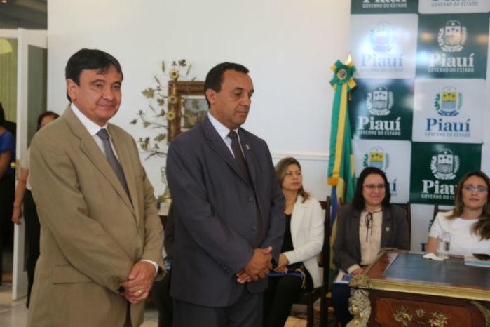 Governador durante comemoração dos 30 anos da Uespi