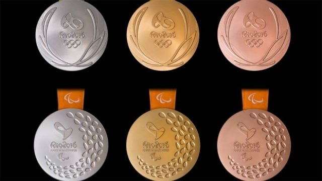 As medalhas olímpicas (acima) e paralímpicas (abaixo) de prata, ouro e bronze (da esq. para a dir.)  (Crédito: Rio 2016)