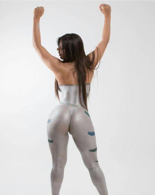 Suzy Cortez posa com corpo pintado em homenagem à Olimpíada Rio 2016  (Crédito: Reprodução)