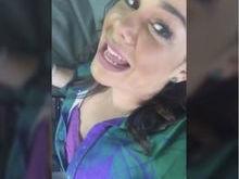 Fernanda Souza erra feio no make e se diverte com o resultado