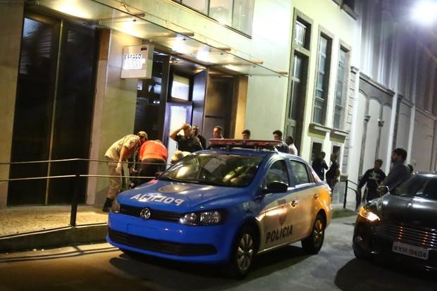 Polícia e Corpo de Bombeiros estiveram no local (Crédito: Agnews)