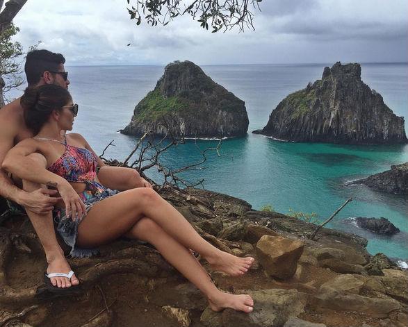 Anamara mostra o corpão e posa com o namorado em ilha paradisíaca (Crédito: Reprodução)