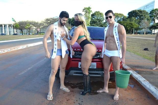 MC Bandida e candidatos ao Mister DF (Crédito: Divulgação)
