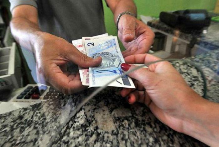 Contribuintes desembolsaram R$ 1 trilhão para pagar impostos, taxas e contribuições de janeiro até hoje (Crédito: Agência Brasil)