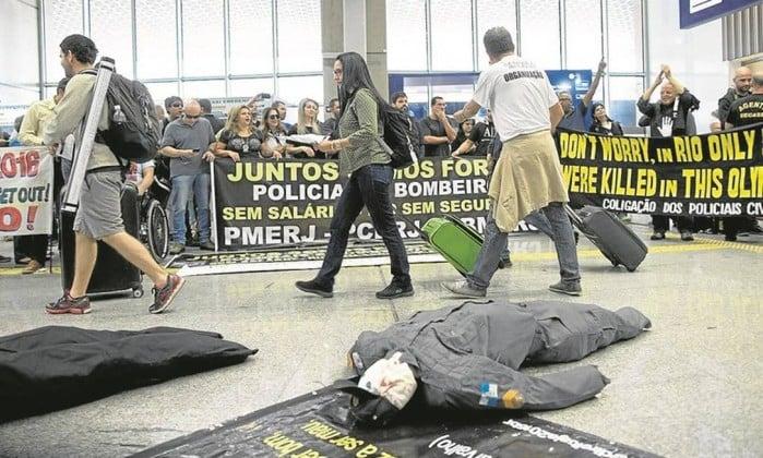 Protesto em Aeroporto (Crédito: Reprodução)