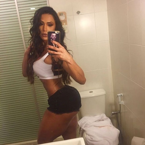 Gracyanne barbosa exibe bumbum na nuca em selfie na academia famosos gracyanne barbosa crdito reproduo instagram thecheapjerseys Gallery