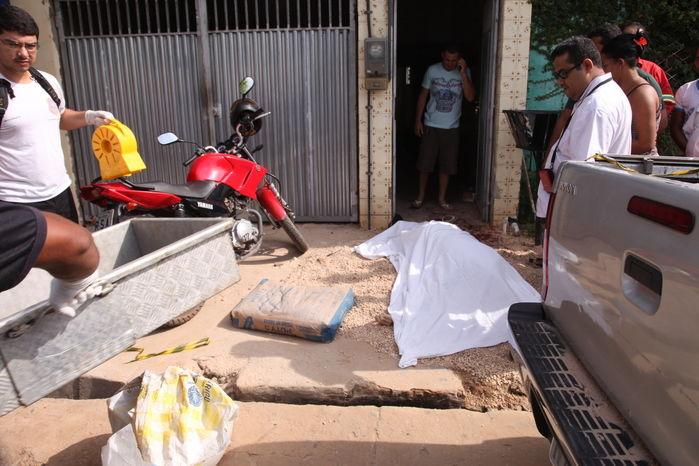 Empresário foi morto em frente a casa de sua mãe em Timon