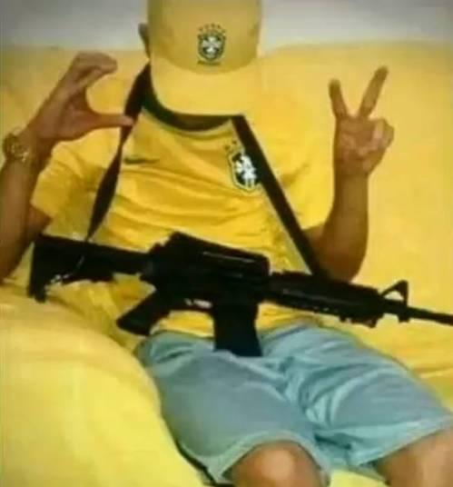 Jovem persegue e executa ex-namorada com tiros de fuzil  (Crédito: Reprodução)