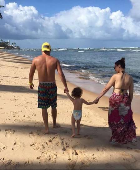 Solange Almeida reata com ex marido e curte férias na Bahia (Crédito: Reprodução)