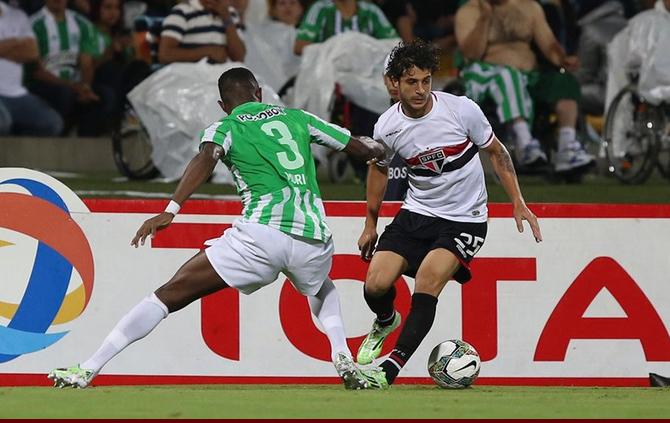 Atlético Nacional e São Paulo (Crédito: Reprodução)