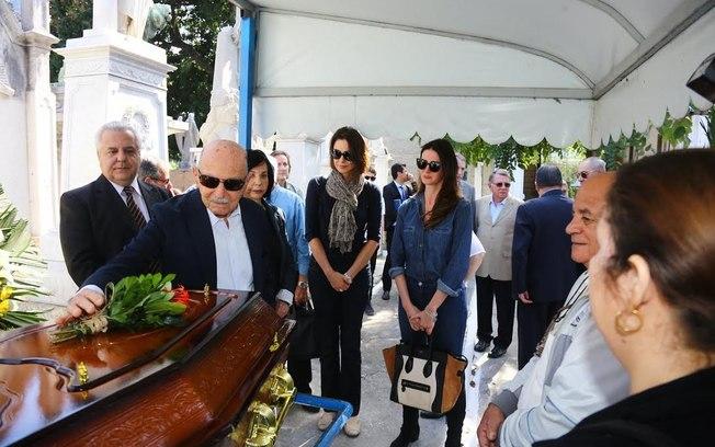 Amigos e família se despedem de Guilherme Karam