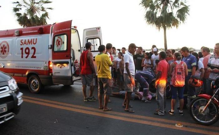 Motoqueiro colide com ciclista e fica desacordado em Campo Maior (Crédito: Reprodução)