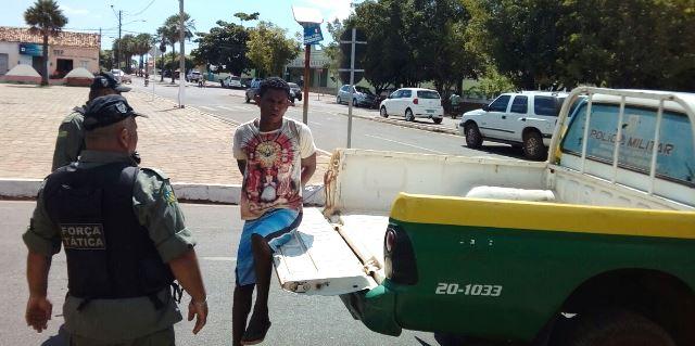 Homem é preso após assaltar jovem em José de Freitas (Crédito: Reprodução)