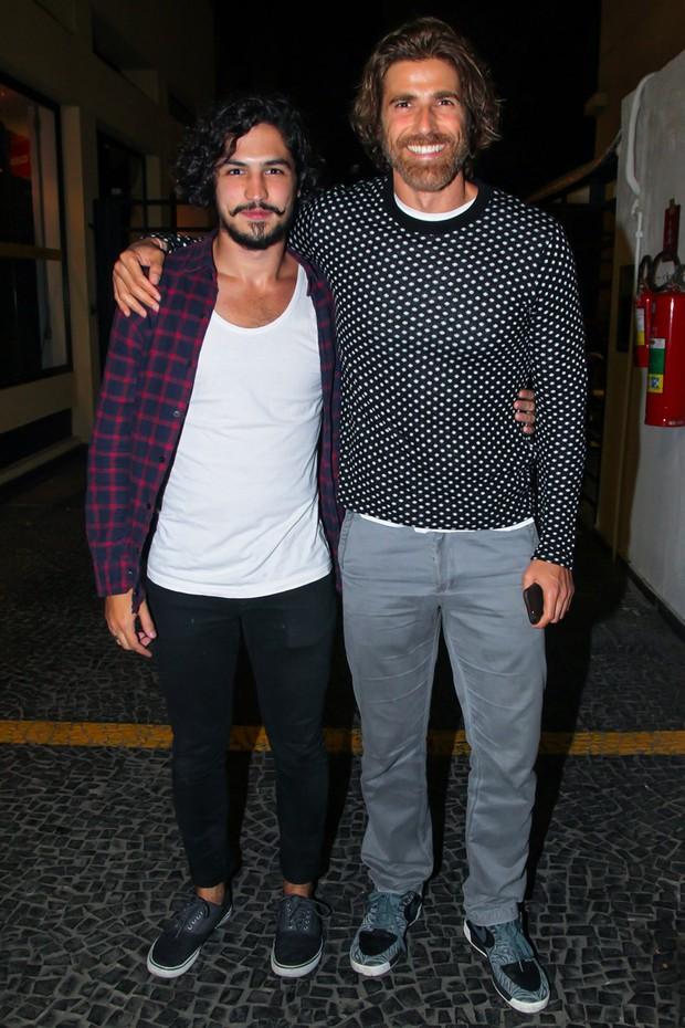 Reynaldo Gianechini e Gabriel Leone (Crédito: Reprodução)
