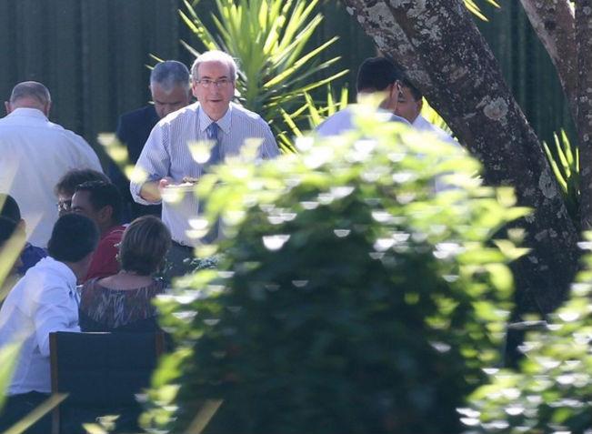 Na semana passada, Cunha realizou um churrasco de despedida na residência (Crédito: Reprodução)