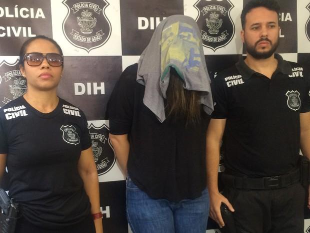 Professora presa acusada de matar a própria filha (Crédito: Vitor Santana/G1)
