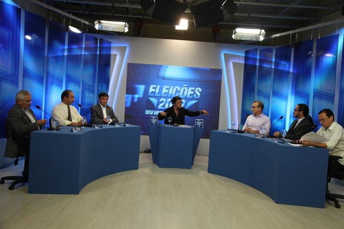 Debate com candidatos a prefeito (Crédito: Efrém Ribeiro)