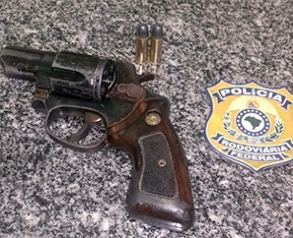 Homem de 45 anos estava com a arma (Crédito: Divulgação)