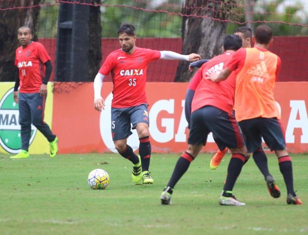 Diego já treina no Flamengo (Crédito: Uol)