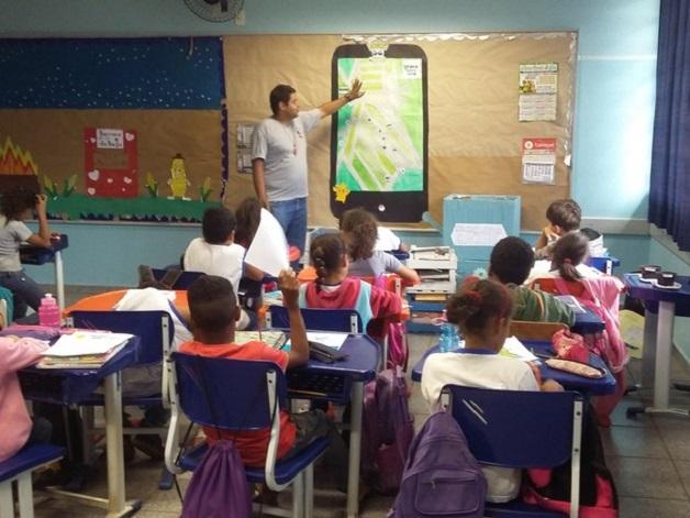 Professor usa Pokémon Go para ensinar geografia aos alunos (Crédito: Reprodução)