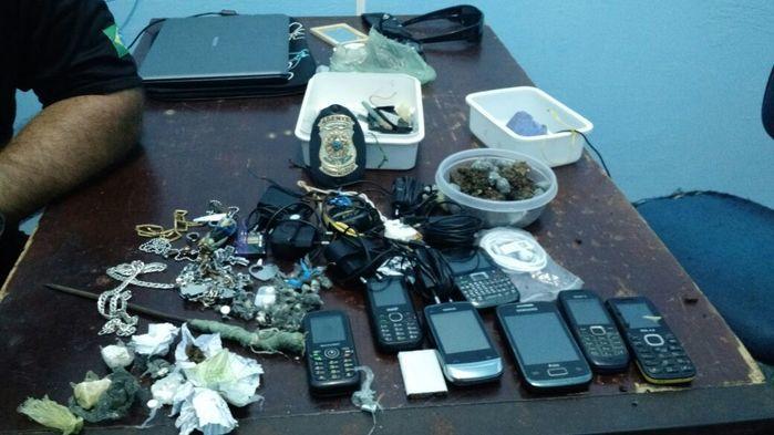 Objetos encontrados na penitenciária de Parnaíba