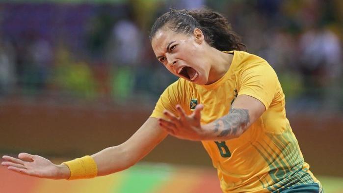 Fernanda Da Silva comemorando gol contra Montenegro (Crédito: Reuters)