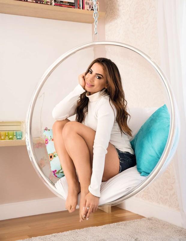 Anitta abre sua mansão e fala sobre carreira e vida pessoal (Crédito: Reprodução)