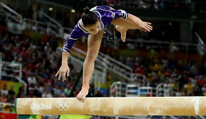 Flavia Saraiva teve desequilíbrios que a tiraram do pódio  (Crédito: Getty)
