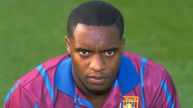 Dalian Atkinson, nos tempos que defendeu o Aston Villa  (Crédito: Getty)