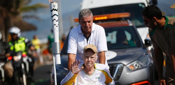 Ex-treinador da seleção brasileira participou do trajeto da tocha no Rio de Janeiro (Crédito: Rio-2016)