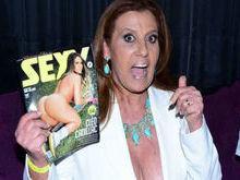 Rita Cadillac surpreende durante evento: 'Nunca me achei sensual'