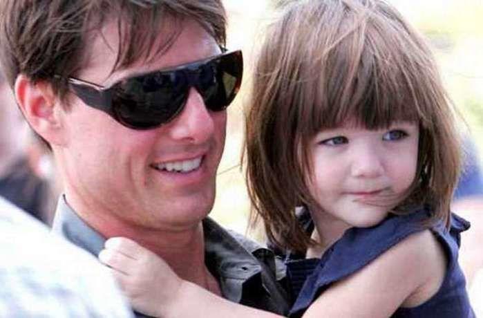 Tom Cruise e Suri  (Crédito: Divulgação )