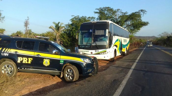 Droga encontrada dentro do ônibus (Crédito: Divulgação/ PRF)