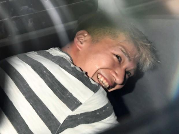 Acusado sorri com prisão (Crédito: Reprodução)