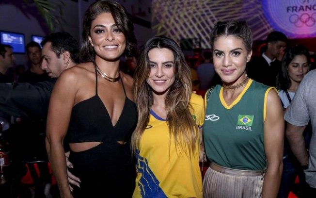 Juliana Paes, Cleo Pires e Camila Coelho curte samba no Rio