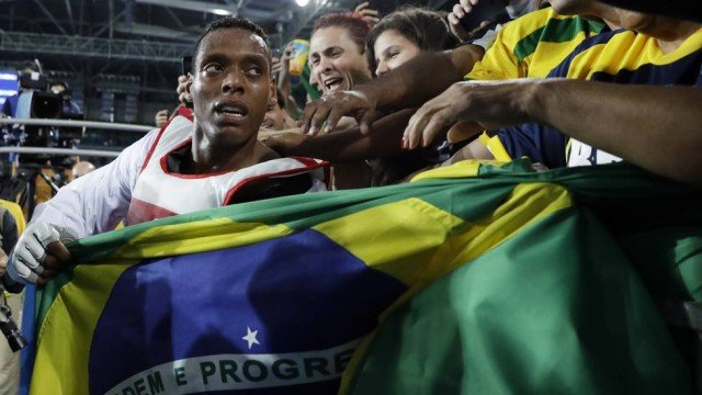 Maicon Andrade conquista o bronze (Crédito:  Andrew Medichini / AP)