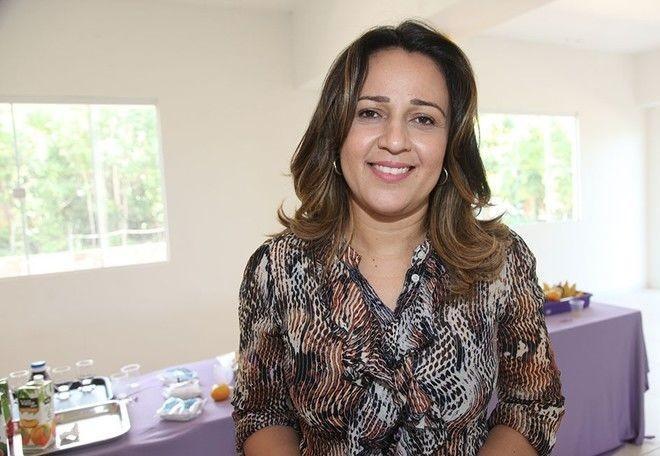 Secretária estadual da Educação, Rejane Dias