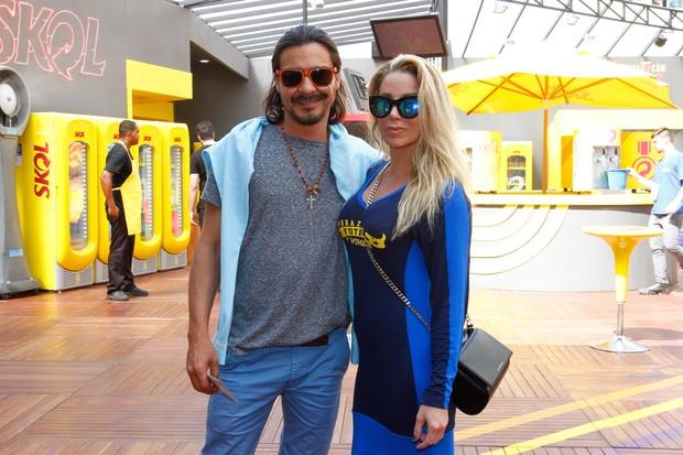 Danielle Winits e André Gonçalves anunciam casamento para Outubro (Crédito: Reprodução)