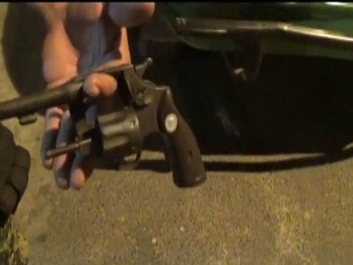 Arma apreendida com os dois adolescentes (Crédito: Rede Meio Norte)