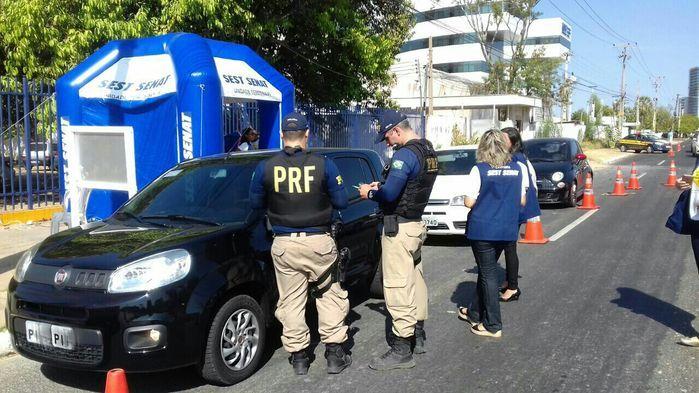 PRF faz ação educativa em Teresina