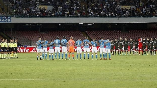 Na Itália, jogos da rodada tiveram homenagem a vítimas de terremoto (Crédito: Getty)