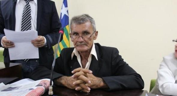 vereador e presidente da Câmara de Vereadores do município de Esperantina, a cerca de 188 km de Teresina,  Antonio Aristides de Carvalho