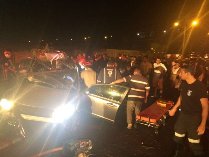 Veículo Civic ficou destruído (Crédito: Salomão Prado)