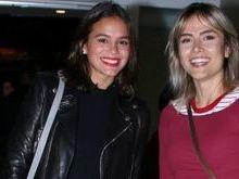 Bruna Marquezine curte show ao lado da amiga Maria Casadevall