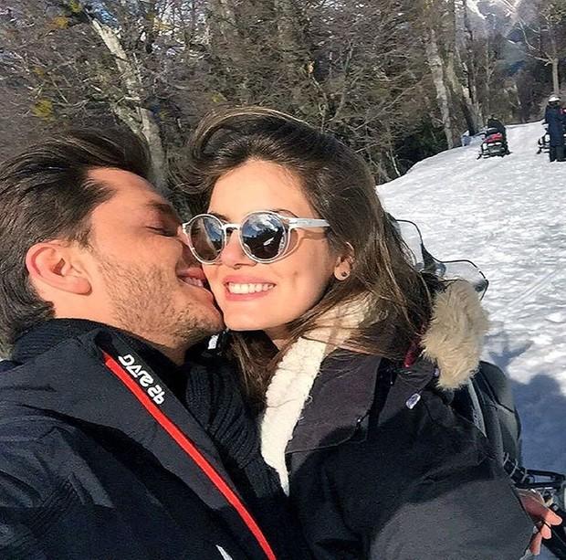 Camila Queiroz e Klebber Toledo (Crédito: Reprodução/ Instagram)