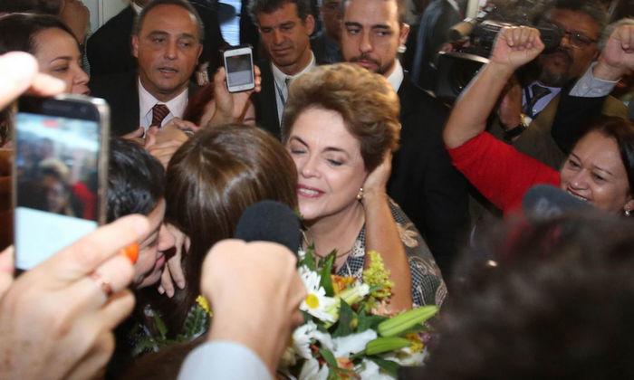 """Dilma diz que """"só o povo"""" afasta pelo conjunto da obra - Imagem 6"""