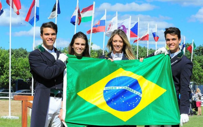 Os irmãos Luiza, Thaísa, Manuel e Pedro Tavares de Almeida  representam o Brasil no hipismo nos Jogos Olímpicos